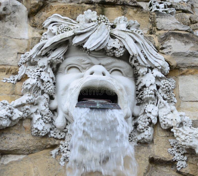 Διάσημη πηγή οβελίσκων στο παλάτι Schonbrunn - Βιέννη Αυστρία στοκ φωτογραφίες με δικαίωμα ελεύθερης χρήσης