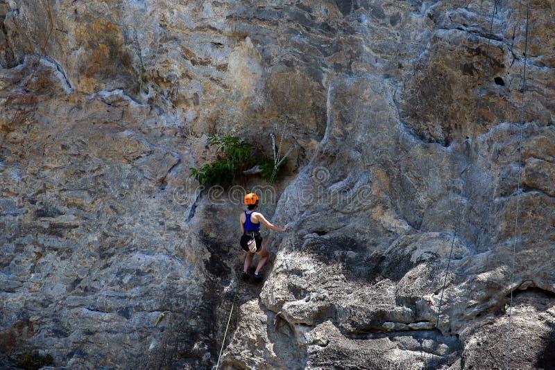 Διάσημη σπηλιά Phranang στην παραλία Krabi Ταϊλάνδη Raylay Railay στοκ φωτογραφίες