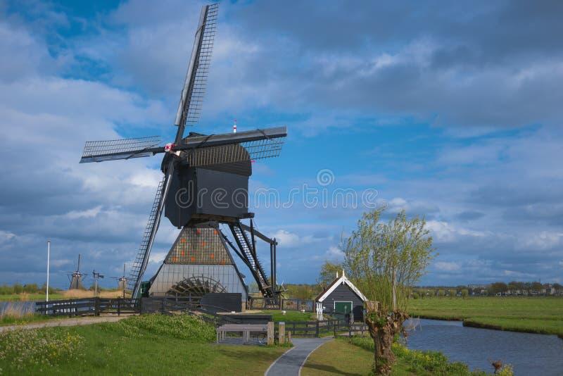 Διάσημοι ολλανδικοί ανεμόμυλοι, Kinderdijk, Κάτω Χώρες στοκ φωτογραφίες με δικαίωμα ελεύθερης χρήσης