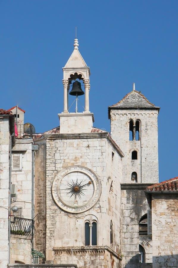 διάσημος διασπασμένος πύργος της Κροατίας ρολογιών στοκ εικόνα με δικαίωμα ελεύθερης χρήσης