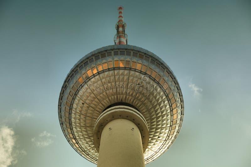 Διάσημος πύργος TV που βρίσκεται στο Alexanderplatz στο Βερολίνο στοκ εικόνα με δικαίωμα ελεύθερης χρήσης