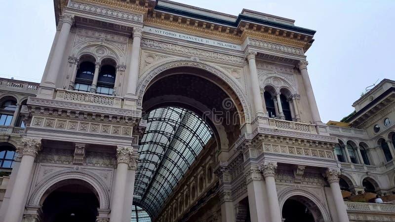 Διάσημο ιταλικό Galleria Vittorio Emanuele, Μιλάνο που επισκέπτεται, αρχιτεκτονική στοκ εικόνες με δικαίωμα ελεύθερης χρήσης