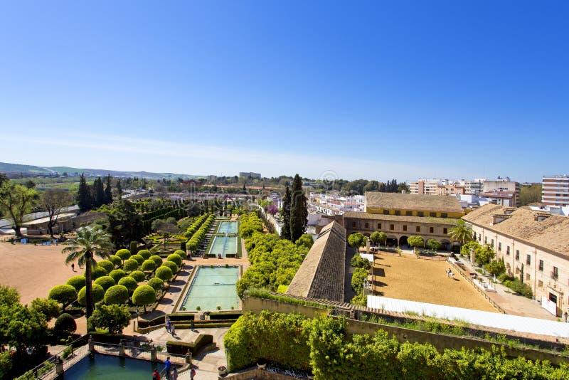 Διάσημο Alcazar de Los Reyes Cristianos με τον όμορφο κήπο στοκ εικόνες