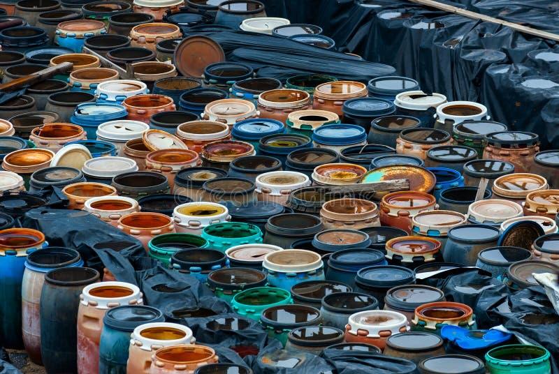Διάφορα βαρέλια των τοξικών αποβλήτων στοκ φωτογραφία με δικαίωμα ελεύθερης χρήσης