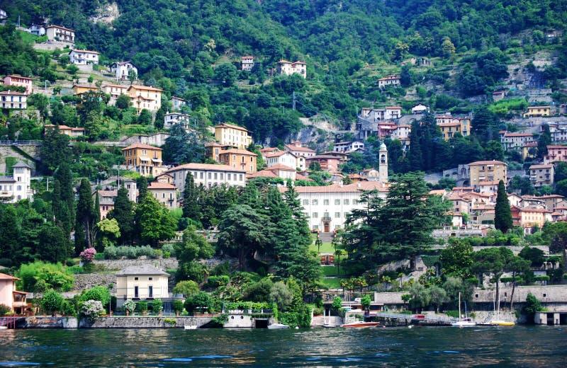 Διάφορες βίλες στην ακτή της λίμνης Como, Ιταλία στοκ φωτογραφία με δικαίωμα ελεύθερης χρήσης