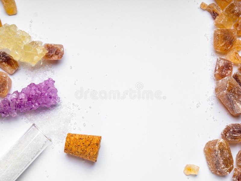 διάφοροι τύποι ζαχαρών στο άσπρο υπόβαθρο στοκ εικόνες