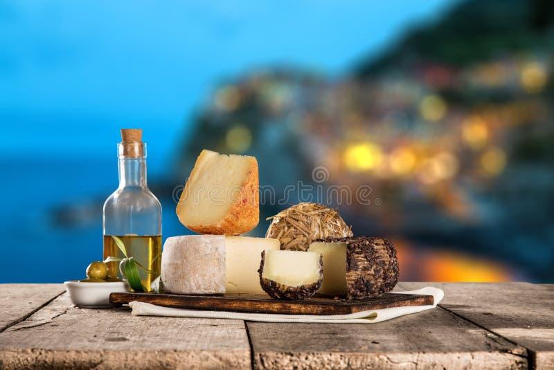 Διάφοροι τύποι ιταλικών τυριών στοκ φωτογραφία με δικαίωμα ελεύθερης χρήσης