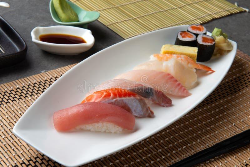 Διάφορο Sashimi σουσιών στοκ εικόνες