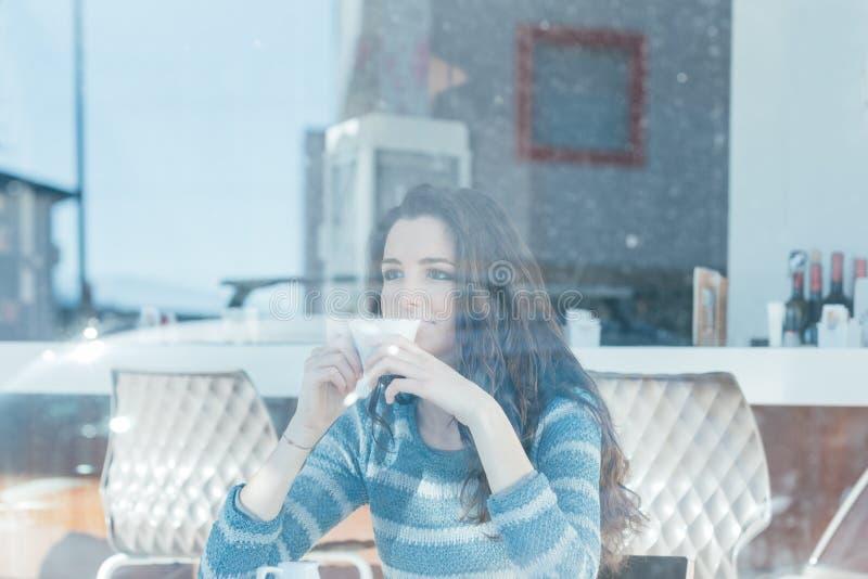Διάλειμμα στον καφέ στοκ εικόνες με δικαίωμα ελεύθερης χρήσης