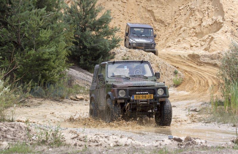 Διέγερση από το δρόμο drivig σε ένα κερδίζοντας κοίλωμα άμμου στοκ εικόνες με δικαίωμα ελεύθερης χρήσης
