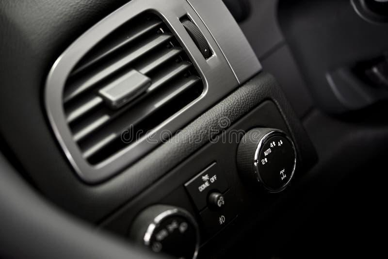Διέξοδος όρου αέρα αυτοκινήτων στοκ εικόνες