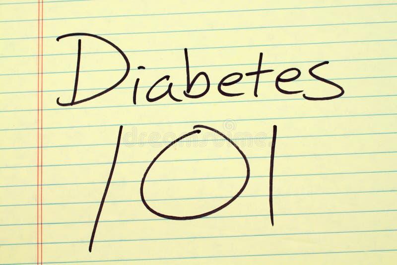 Διαβήτης 101 σε ένα κίτρινο νομικό μαξιλάρι στοκ φωτογραφία με δικαίωμα ελεύθερης χρήσης