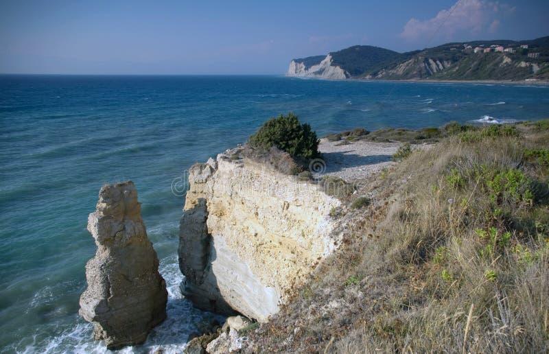 διαβρωμένη απότομος βράχο&si στοκ φωτογραφία με δικαίωμα ελεύθερης χρήσης