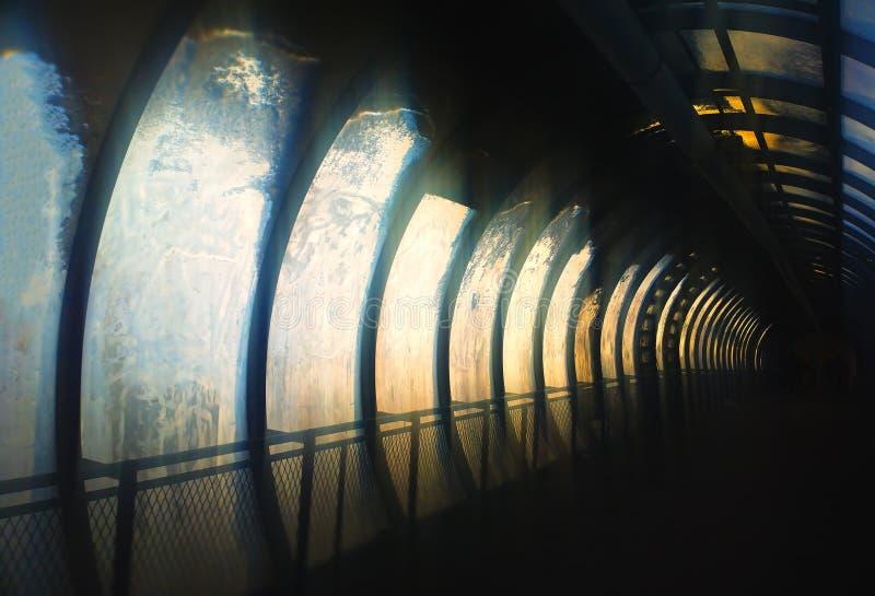 Διαγώνιο υπόβαθρο σηράγγων πόλεων cyberpunk στοκ φωτογραφίες με δικαίωμα ελεύθερης χρήσης