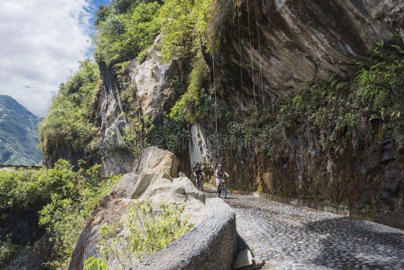 Διαδρομή καταρρακτών, Banos - Puyo, Ισημερινός στοκ εικόνες