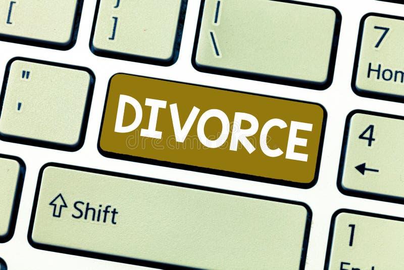 Διαζύγιο κειμένων γραψίματος λέξης Επιχειρησιακή έννοια για τη διαφωνία αποσύνθεσης χωρισμού νομικής διάλυσης του γάμου στοκ εικόνες με δικαίωμα ελεύθερης χρήσης