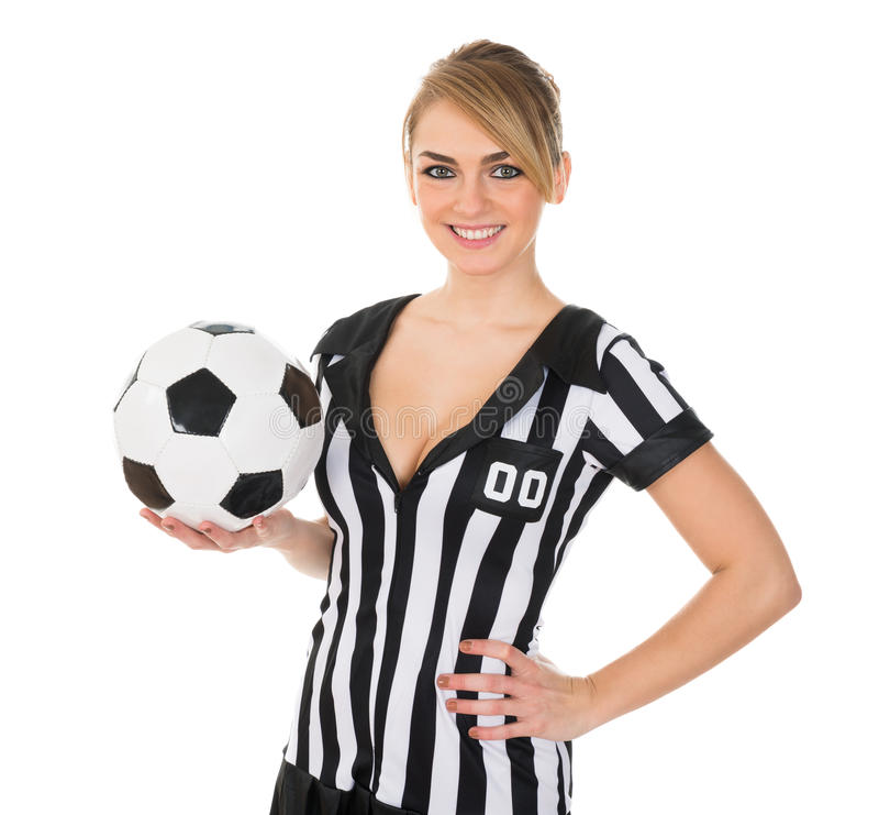 Διαιτητής ποδοσφαίρου με το ποδόσφαιρο στοκ εικόνες