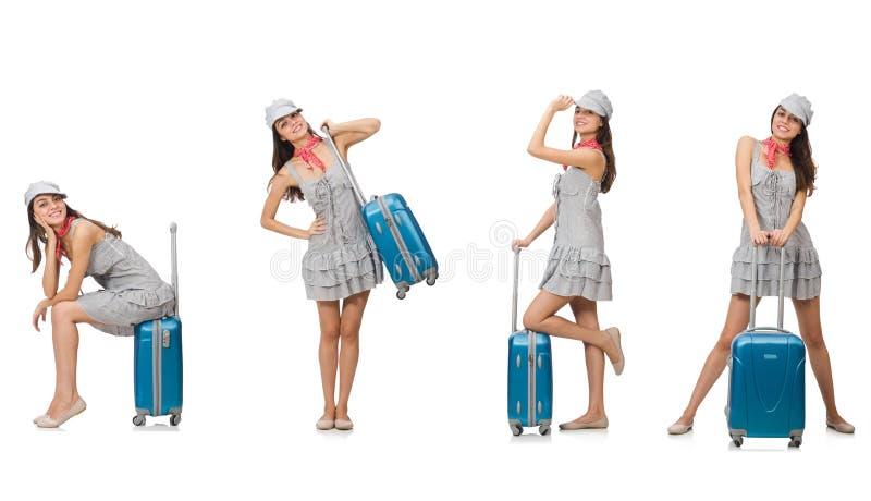 Download Διακινούμενη γυναίκα με τη βαλίτσα που απομονώνεται στο λευκό Στοκ Εικόνες - εικόνα από κολάζ, redhead: 62703548