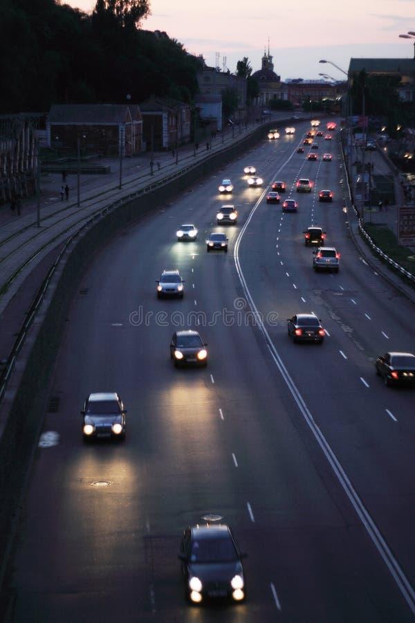 Διακινούμενη νυχτερινή πόλη στοκ φωτογραφία με δικαίωμα ελεύθερης χρήσης