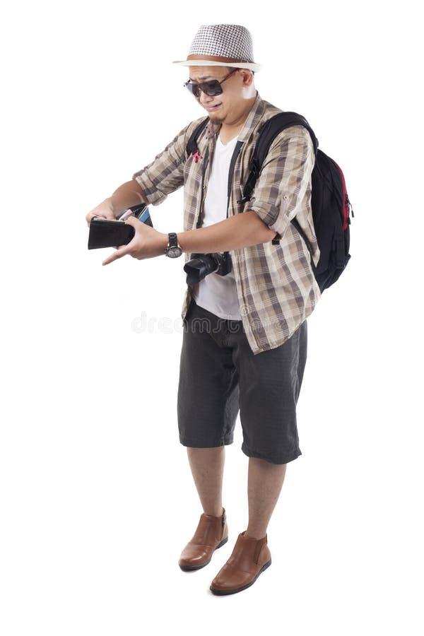 Διακινούμενοι άνθρωποι που απομονώνονται στο λευκό Αρσενικός τουρίστας Brok Backpacker στοκ φωτογραφία