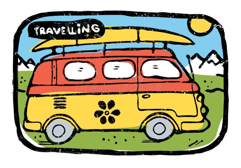 Διακινούμενο λεωφορείο χίπηδων με το σερφ των αποσκευών πινάκων ελεύθερη απεικόνιση δικαιώματος