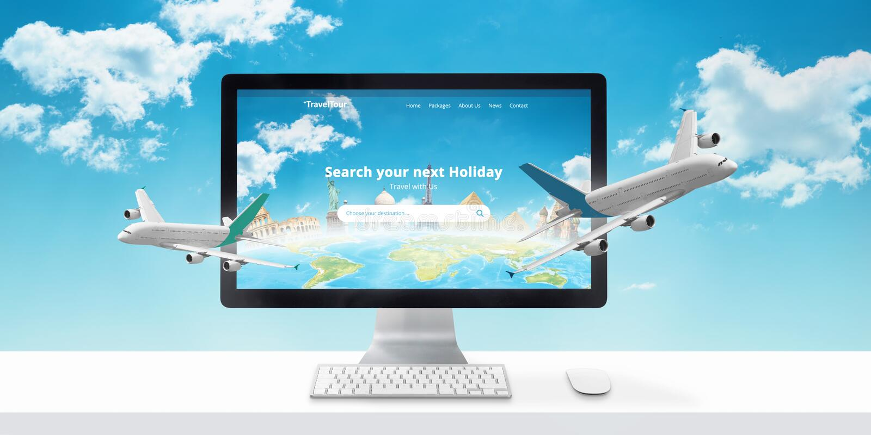 Διακοπές που κρατούν on-line Έννοια του σύγχρονου ιστοχώρου ταξιδιωτικών γραφείων με τις διάσημες παγκόσμιες θέες στοκ εικόνες