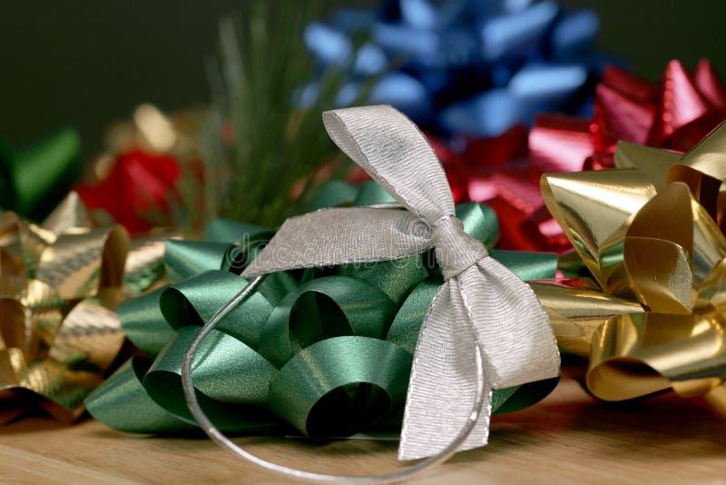 Download διακοπές τόξων στοκ εικόνα. εικόνα από foil, τύλιγμα, χριστούγεννα - 380639