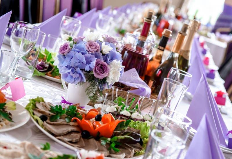Διακοσμήσεις γαμήλιων πινάκων στοκ φωτογραφία με δικαίωμα ελεύθερης χρήσης