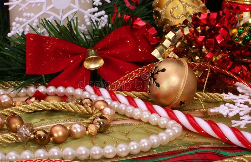 Download διακοσμήσεις Χριστουγέννων στοκ εικόνα. εικόνα από snowflake - 2229987
