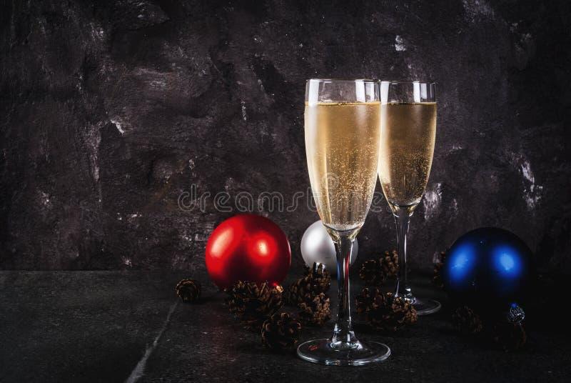 Διακοσμήσεις CHAMPAGNE και Χριστουγέννων στοκ φωτογραφία