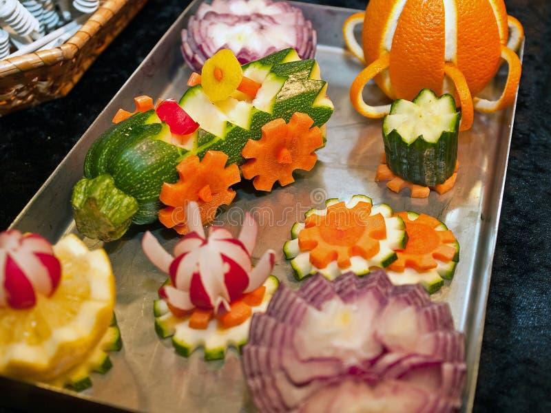διακοσμήστε τα λαχανικά γλυπτών στοκ εικόνες
