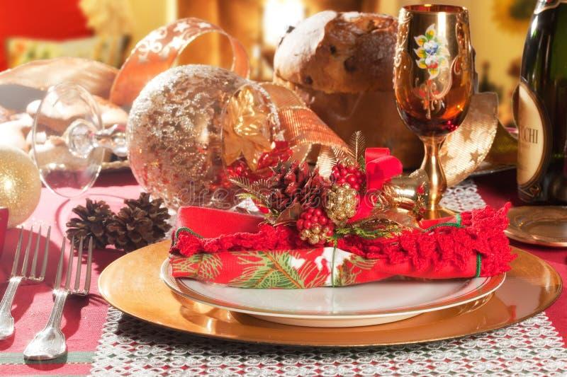 Διακοσμημένη επιτραπέζια ρύθμιση γευμάτων Χριστουγέννων στοκ φωτογραφίες με δικαίωμα ελεύθερης χρήσης