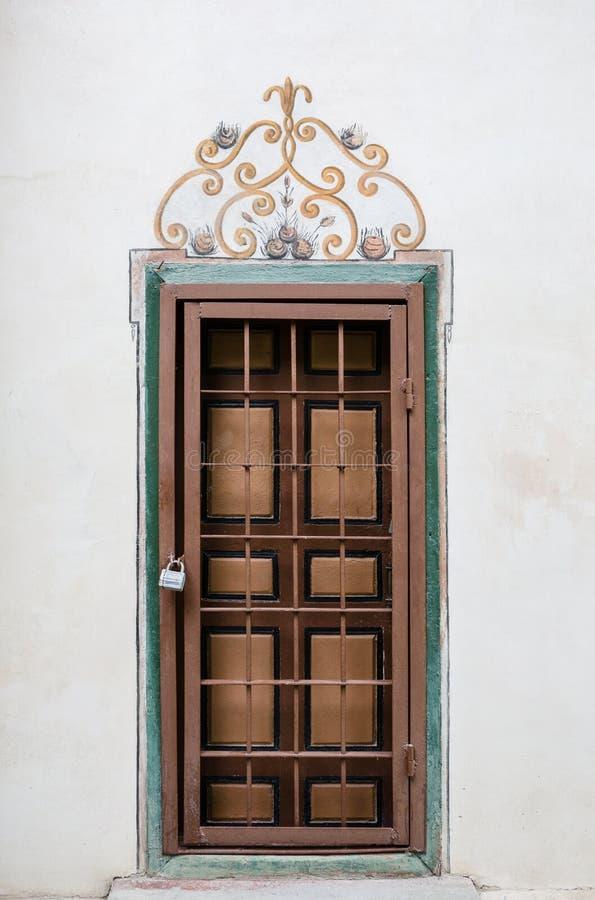 Διακοσμημένη πόρτα στο παλάτι Bakhchsarai στοκ εικόνα