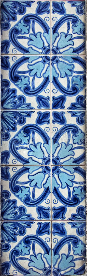 Διακοσμητικά κεραμίδια στην πρόσοψη του σπιτιού, Πόρτο, Πορτογαλία στοκ εικόνες