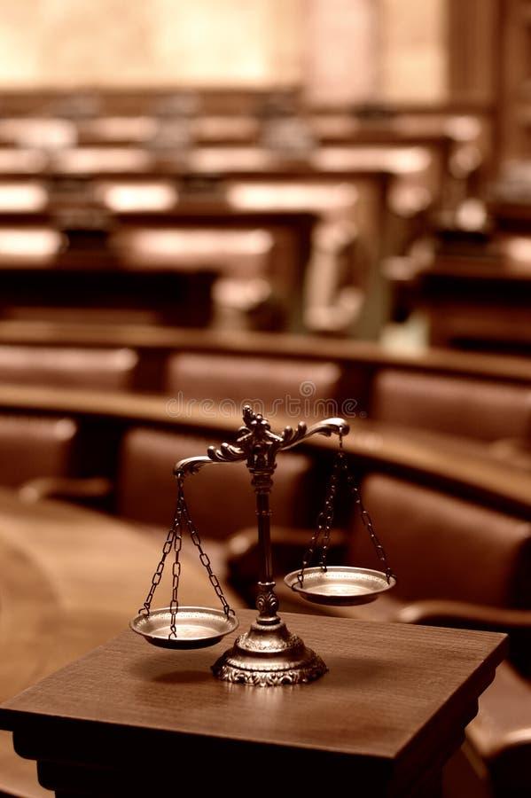 Διακοσμητικές κλίμακες της δικαιοσύνης, έννοια νομιμότητας στοκ εικόνα
