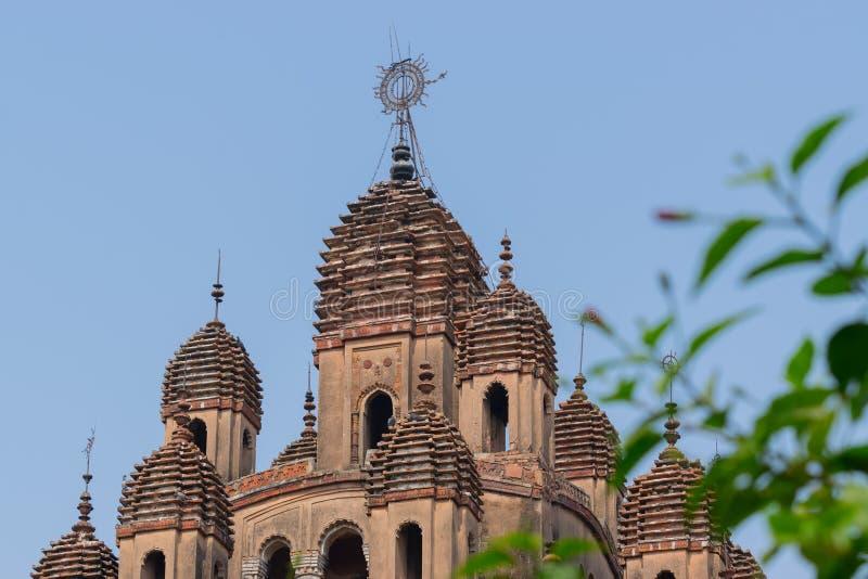 Διακοσμητικές λόγχες πάνω από τον ινδό ναό, Ινδία στοκ φωτογραφία με δικαίωμα ελεύθερης χρήσης