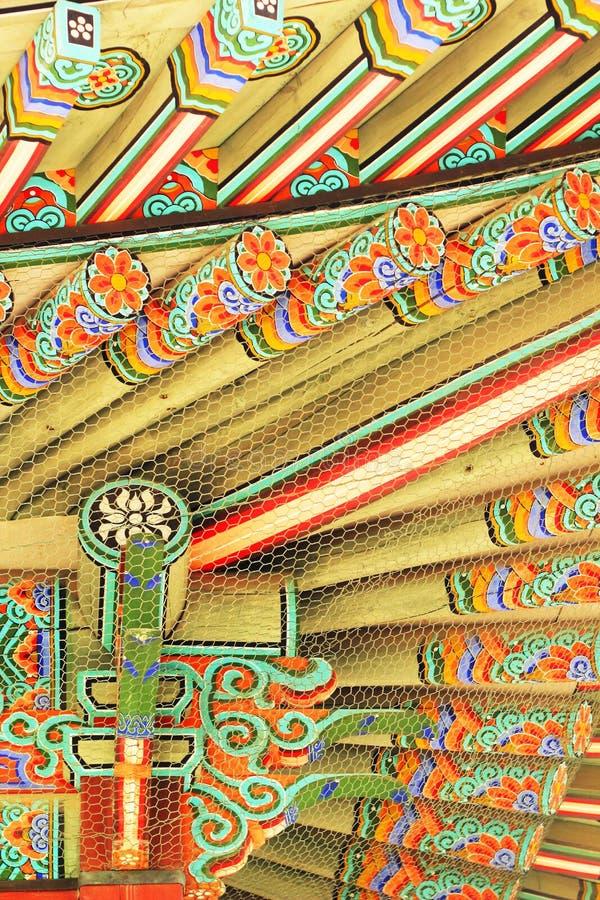 Διακοσμητικές ξύλινες μαρκίζες στο παλάτι, Νότια Κορέα στοκ εικόνες με δικαίωμα ελεύθερης χρήσης