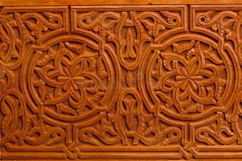 Διακοσμητική ισλαμική ξύλινη πόρτα τέχνης στοκ φωτογραφίες