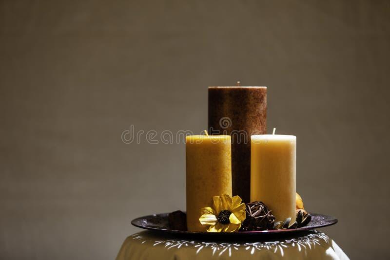 Διακοσμητική ρύθμιση κεριών στοκ εικόνες με δικαίωμα ελεύθερης χρήσης