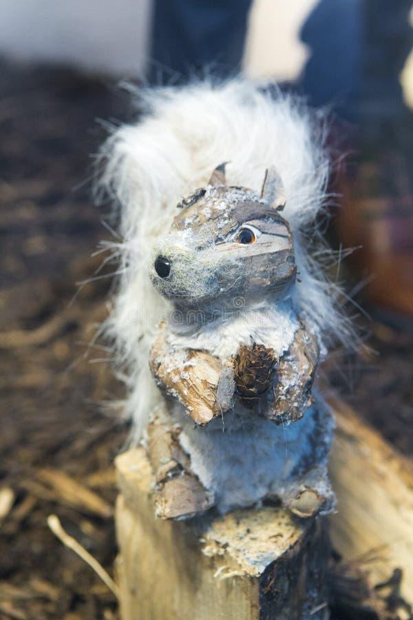 Διακοσμητικός σκίουρος Χριστουγέννων στοκ φωτογραφίες με δικαίωμα ελεύθερης χρήσης