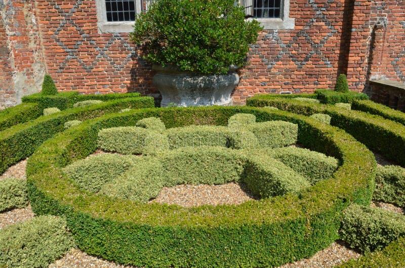 Διακοσμητικός φράκτης στον κήπο στοκ φωτογραφία με δικαίωμα ελεύθερης χρήσης