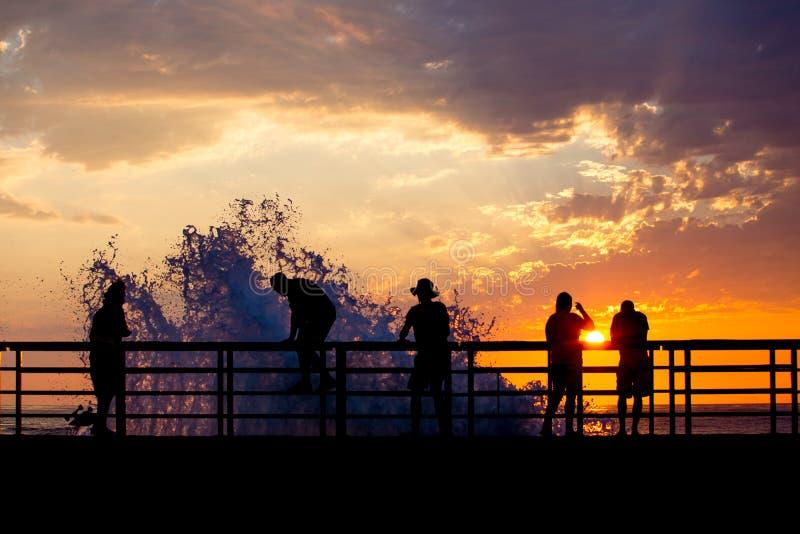 Download Διακόπτης ηλιοβασιλέματος στοκ εικόνες. εικόνα από συντριβή - 62715000