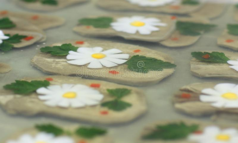 Διακόσμηση για τα πιάτα ψαριών στον πίνακα αρχιμαγείρων ` s στοκ φωτογραφίες με δικαίωμα ελεύθερης χρήσης