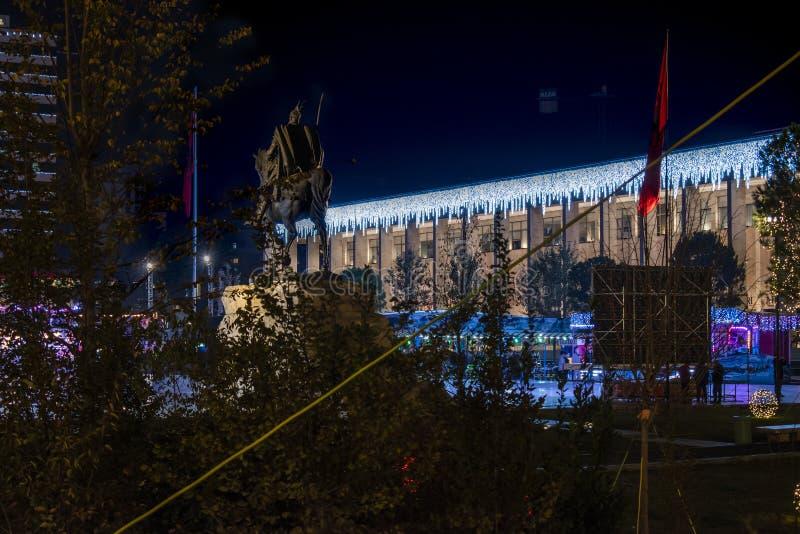 Διακόσμηση διακοπών των Τιράνων στοκ φωτογραφία με δικαίωμα ελεύθερης χρήσης