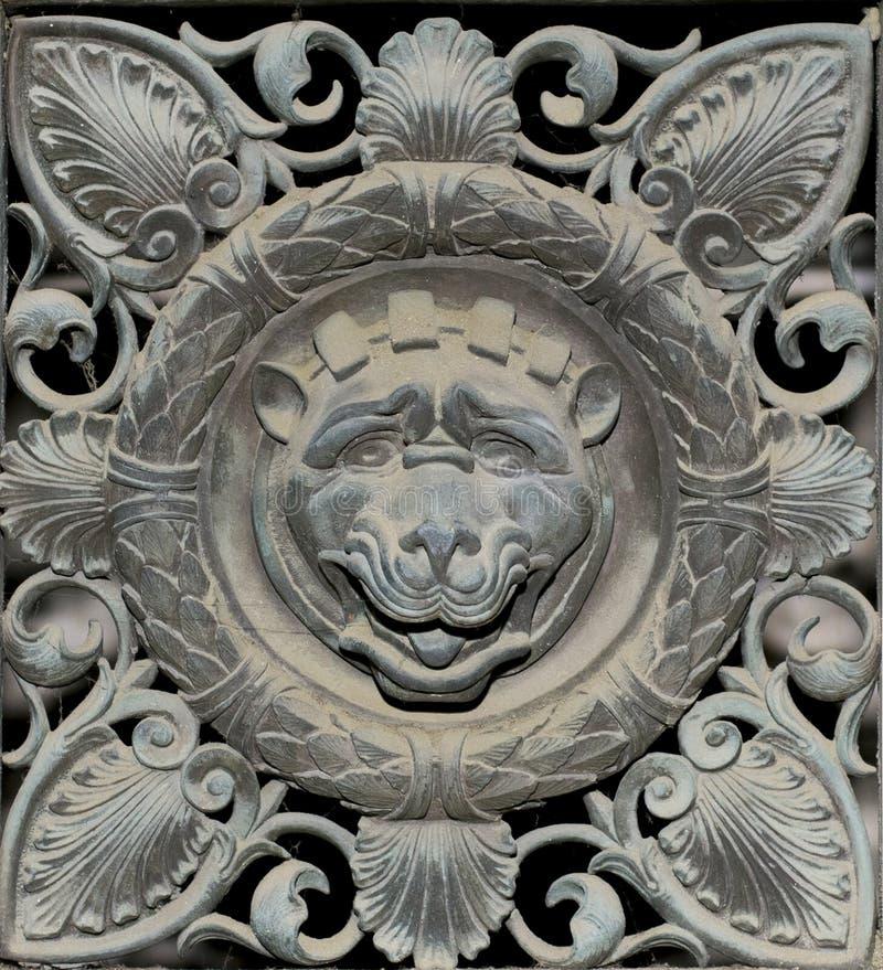 Διακόσμηση λιονταριών μετάλλων (αφηρημένο σχέδιο φύσης) στοκ φωτογραφίες