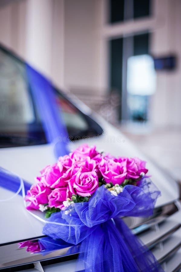 Διακόσμηση λουλουδιών στο αυτοκίνητο στοκ φωτογραφίες