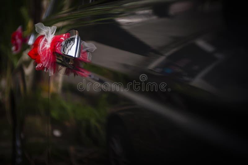 Διακόσμηση λουλουδιών στο αυτοκίνητο στοκ εικόνες