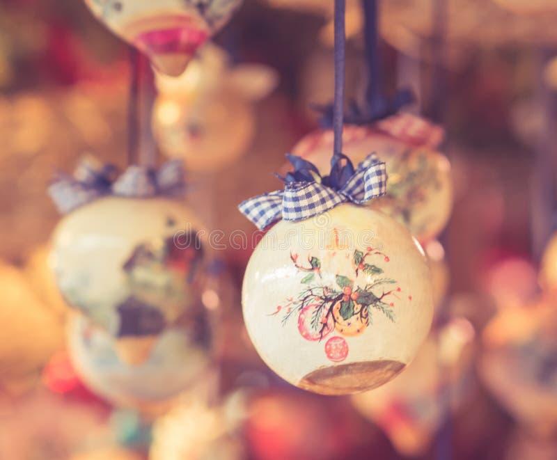 Διακόσμηση Χριστουγέννων θολωμένο στο φω'τα κλίμα εκλεκτής ποιότητας επίδραση φίλτρων στοκ φωτογραφία με δικαίωμα ελεύθερης χρήσης