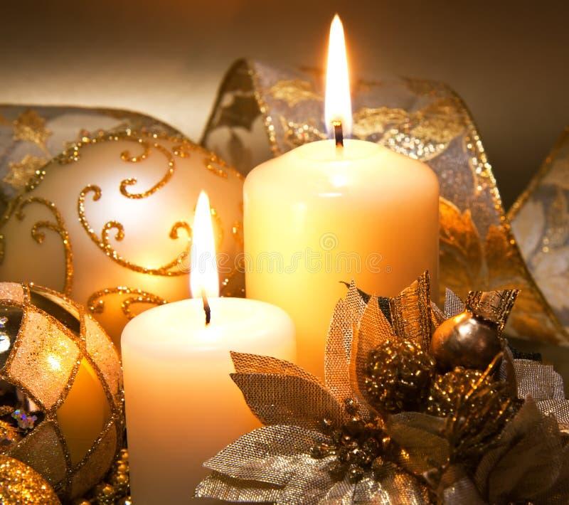Διακόσμηση Χριστουγέννων με τα κεριά στοκ φωτογραφία με δικαίωμα ελεύθερης χρήσης