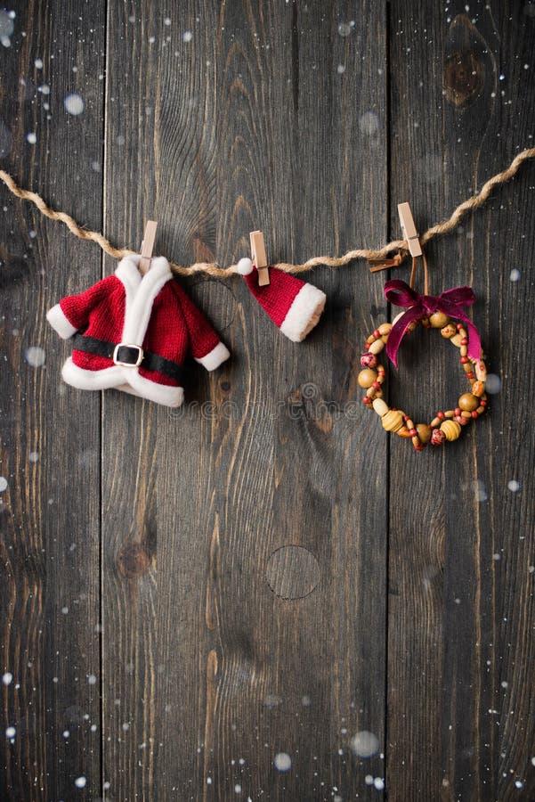Διακόσμηση Χριστουγέννων πέρα από την ξύλινη ανασκόπηση στοκ εικόνα με δικαίωμα ελεύθερης χρήσης